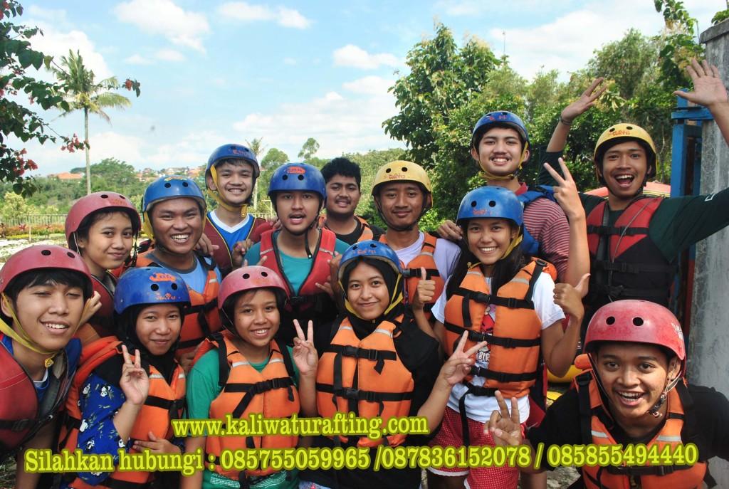 Rafting Kaliwatu Batu | Rafting Batu | Rafting Yang Murah | Rafting Malang | Rafting Bersama SMA 16 Surabaya di Kaliwatu